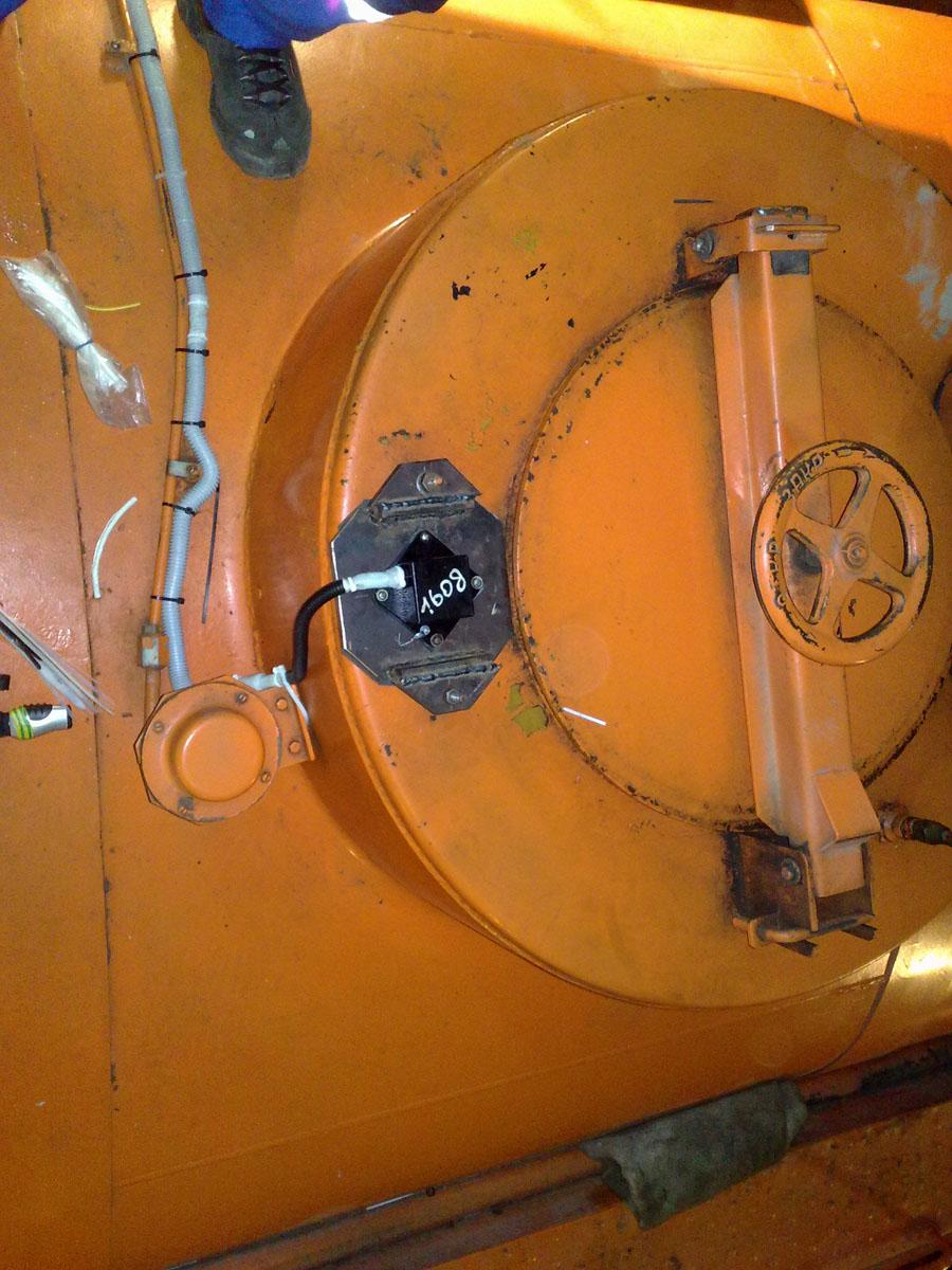 Установка системы мониторинга на топливозаправщик